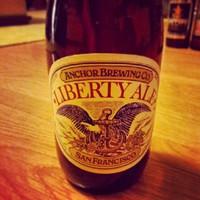 Ma este ezt dobta a gép. Nincs ok panaszra.  #beerporn #anchorbrewing #sortura #ale #libertyale