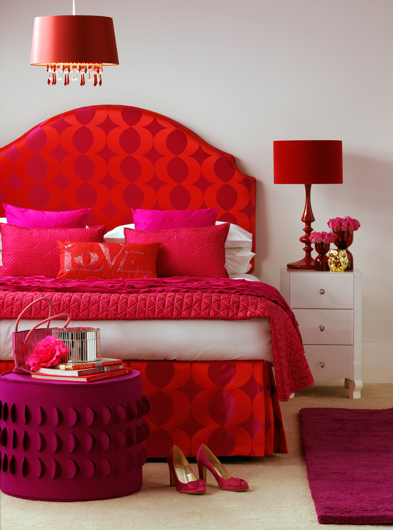 classic-pink-and-red-bedroom-decor-ideas.jpg