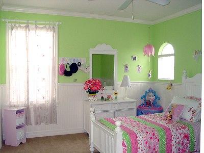 green-pink-bedroom1.jpg