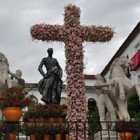 Córdoba virágos keresztjei