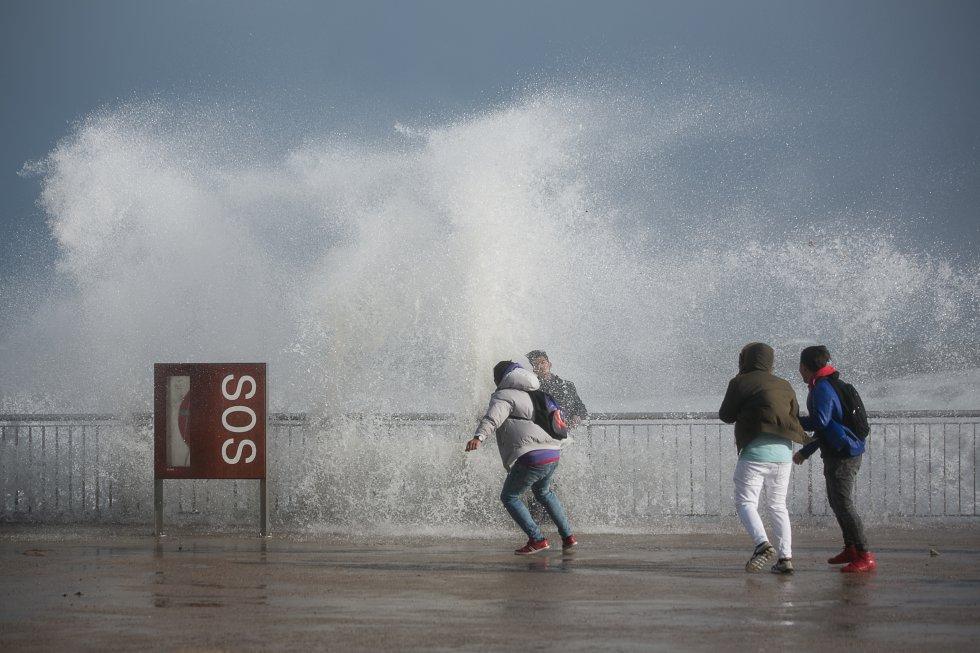 17-gas-barcelona-idojaras-spanyolorszag-iteletido-gloria-vihar.jpg