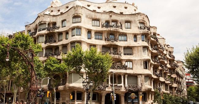 la_casa_mila_barcelona1.jpg