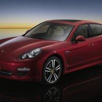 Porsche Panamera (Rubinrot Metallic)