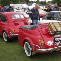 Fiat 500 utánfutóval