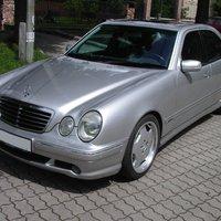 (X) Mercedes-Benz E55 AMG