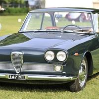 Alfa Romeo 2000 Coupe Praho Superleggera by Touring