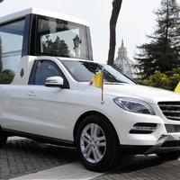 A pápa új autója - Popemobile 2013 (Mercedes-Benz ML)