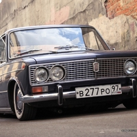 Lada 2103 Low Rider by Only Dropped