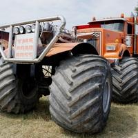 Kitekintő: a világ legnagyobb monster truckja