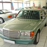 Mercedes-Benz (W126) 560 SEL (Nelkengrün)