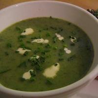 Fokhagymás spenótkrém leves