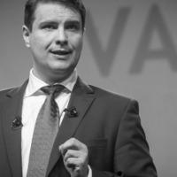 MSZP-kongresszus: egészpályás epeömlés