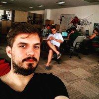 A liberális 24.hu újságírói nyilvános posztban akasztanának