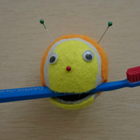 Teniszlabdából fogkefetartót! Te is meg tudod csinálni!