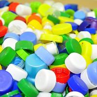 9 szuper gyerekjáték egyszerű műanyagkupakból