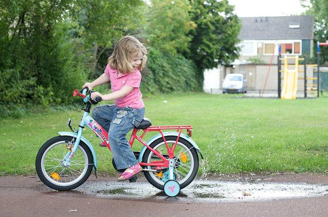 zsebpenz_es_bicikli.jpg