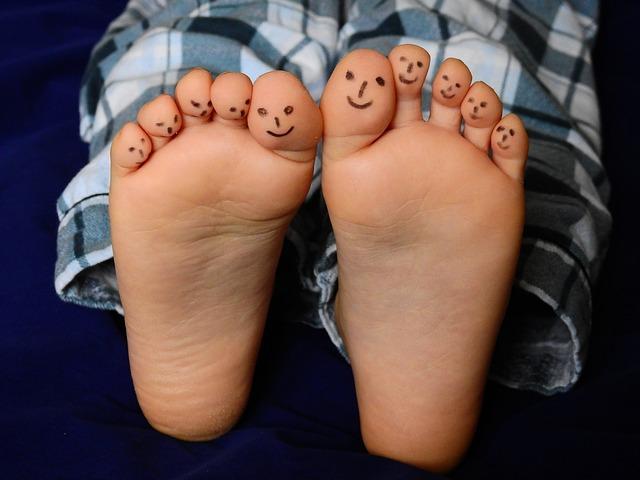 feet-2358333_640.jpg