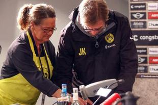 Szerelmi vallomás a Dortmund sajtótájékoztatóján