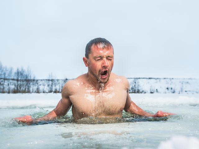 Hidegvízi úszás újévkor? – alaposan készülj fel rá!