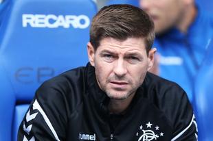 Steven Gerrard úton a skót bajnoki cím felé