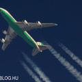 Contrail spotting - EVA Air Boeing 747