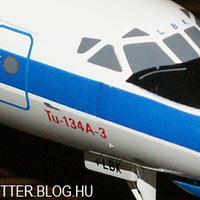 Spotterkedés a lakásban – MALÉV Tu-134-es az étkezőasztalon