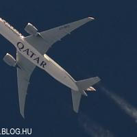 Contrail spotting - Qatar Airways Cargo Boeing 777F (FRISSÍTVE)