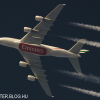 Emirates A380 A6-EDJ