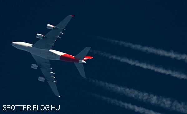 blog_contrail_qantas_a380_vh-oqg-141227-1.jpg