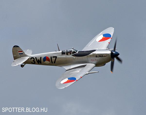 Blog_Volkel_Spitfire_3W17-130614-01.jpg