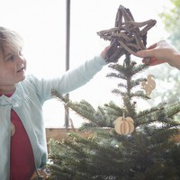 Spórolj a karácsonyfadíszeken: így készítsd el őket fillérekből