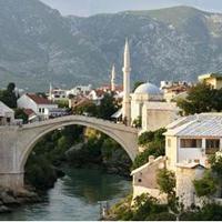 Véres péntekre készülnek Mostarban