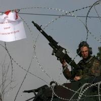 Lövi a szerbeket a KFOR Jarinjénél