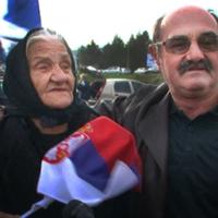 Több száz szerb radikális várta Šešeljt a belgrádi reptéren