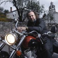 Egy motoros pap agyonvert egy politikust