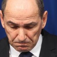 Két év börtönre ítélték a volt szlovén miniszterelnököt, Janez Janšát