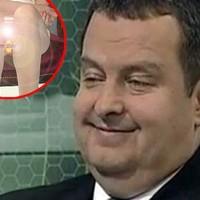 A szerb miniszterelnök berágott a puncivillantás miatt