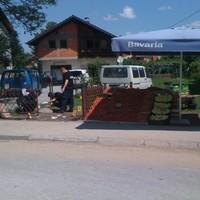 Bomba robbant egy piac mellett Boszniában