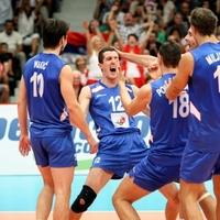 Ezrek köszöntötték az Európa-bajnok röplapdásokat Belgrádban
