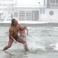 Hóban hülyéskednek a horvát tengerparton