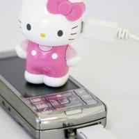 Hello Kitty, feltöltöd a mobilomat?
