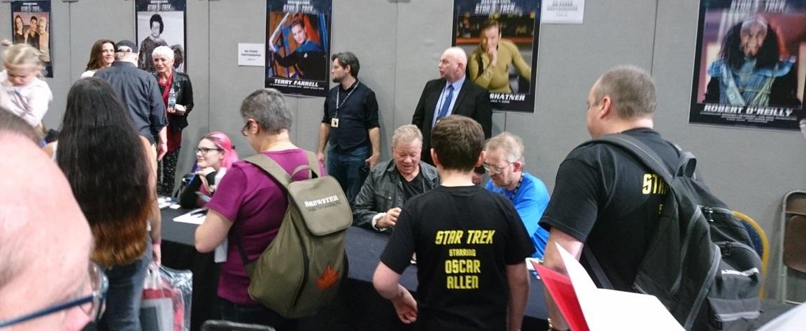 Az egy képre eső Star Trek-sztárok száma igen magas itt