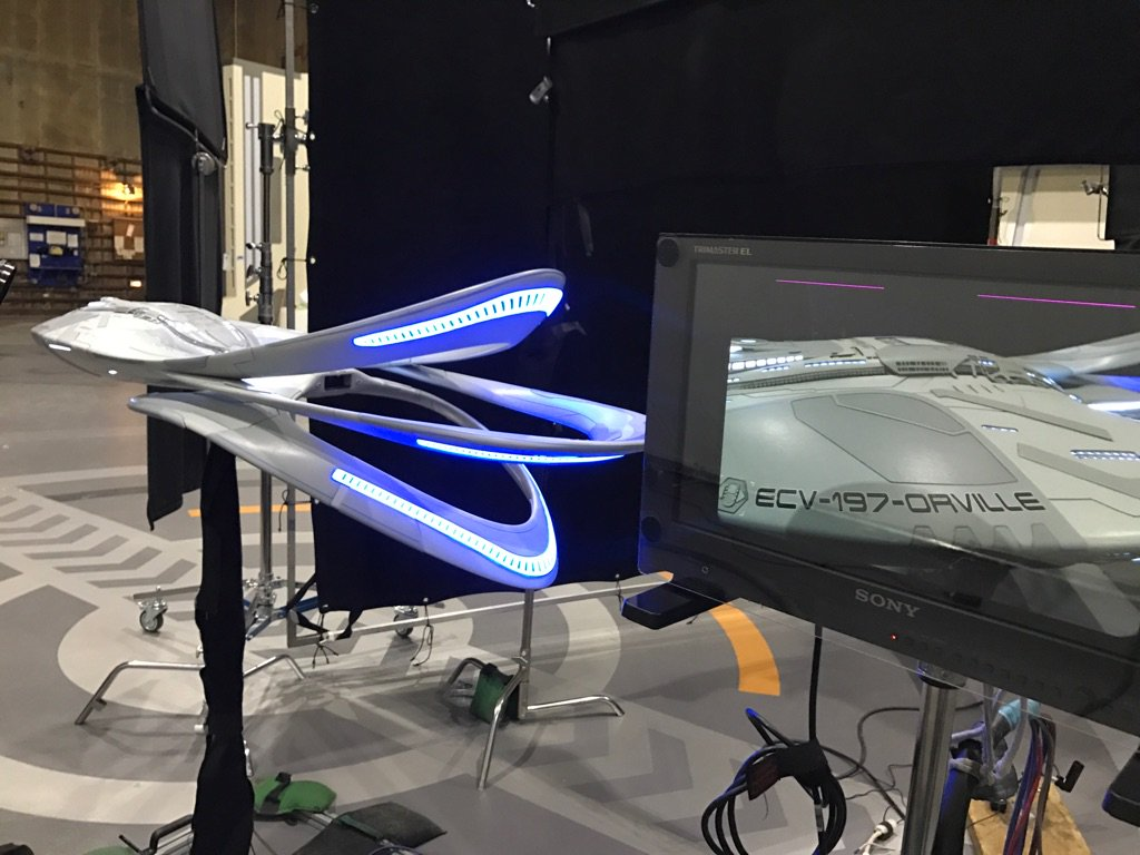 the-orville-modelonset.jpg