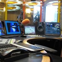 Indítsunk startup rádióműsort!