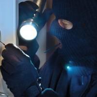 Óvjuk otthonunkat a rafinált bűnözőktől!