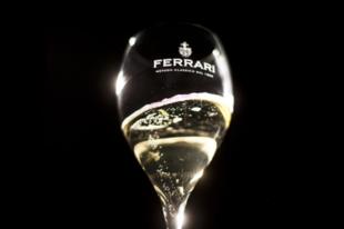 Az olasz Ferrari champagne az ide Gourmet Fesztiválon debütál