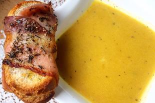 Mit főzzünk hétvégén sült fokhagymából és sült répából? Például egy olasz ízvilágú levest.