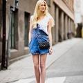 4 tuti tipp, hogy hogyan viseld a kantáros farmert idén nyáron