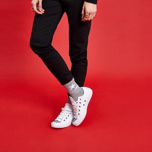 Kedvenc sportcipőnket idén is bármivel viselhetjük