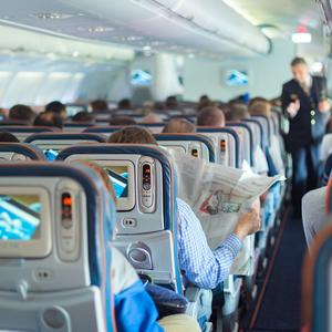 8 tipp hogy túlélj egy hosszú repülőutat!